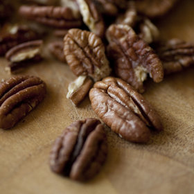 Food & Wine: 3 Great Reasons to Snack on Pecans, According to a Nutritionist