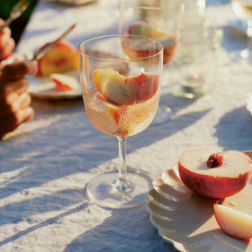 mkgalleryamp; Wine: You've Been Eating Peaches Wrong Your Whole Life (Says Food Writer Diana Henry)
