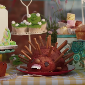 mkgalleryamp; Wine: Watch Cakes Sing Christina Aguilera's 'Beautiful' in the Great British Bake Off's New Trailer
