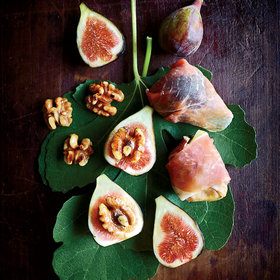 mkgalleryamp; Wine: Grilled Figs with Ham, Walnuts, and Mint Cream