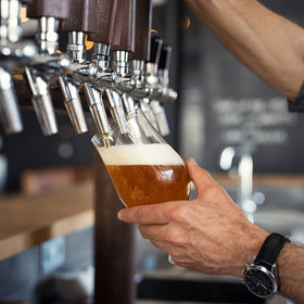 Food & Wine: British Beer Really Is Too Warm, Report Finds