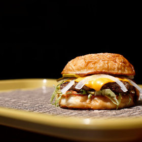 Food & Wine: These Are the Healthiest Fast Food Restaurants for Burgers