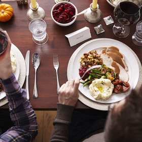 Food & Wine: 4 Tips a Nutritionist With Food Intolerances Always Follows During the Holidays