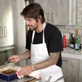 mkgalleryamp; Wine: Ludo Lefebvre Makes Nigella Lawson's Show-Stopping Sticky Toffee Pudding—Get the Recipe