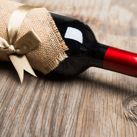 Food & Wine: The Best Wines to Bring to Thanksgiving Dinner When You're a Guest