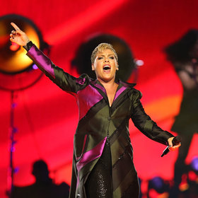 mkgalleryamp; Wine: Singer Pink Sold Out Her First Batch of Wine in One Day
