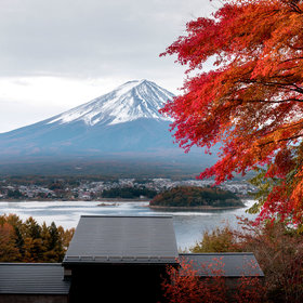 mkgalleryamp; Wine: Enjoy In-Room Hot Pot While Glamping at Mount Fuji