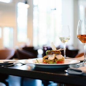 mkgalleryamp; Wine: New Tool Helps Diners with Allergies Find Restaurant Options Wherever They Are