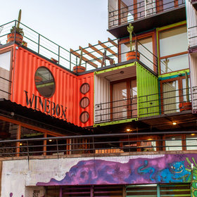 Food & Wine: Inside the World's First Wine-Graffiti Festival in Valparaíso, Chile