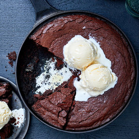 mkgalleryamp; Wine: Skillet Brownies on the Grill