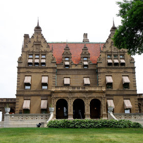 Food & Wine: The Pabst Mansion in Milwaukee Will Hold a Yard Sale Next Weekend
