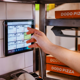 Food & Wine: The Pizza Chain You Haven't Heard of That's Trying to Take Over the World