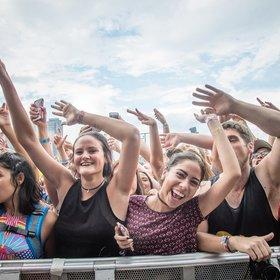 Food & Wine: Here's How Much It Really Costs to Attend Lollapalooza This Year