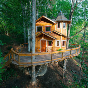 Food & Wine: The 10 Most Popular Treehouses Right Now, and How Much They Cost to Rent