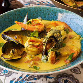 mkgalleryamp; Wine: Curried Coconut-Seafood Soup (Seafood Rassa)