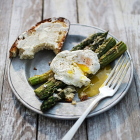 mkgalleryamp; Wine: Parmesan Asparagus with Poached Eggs