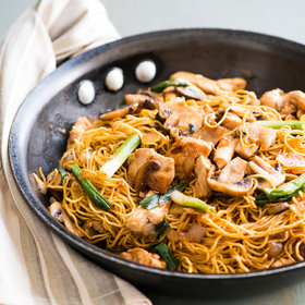Food & Wine: Mushroom and Garlic Chicken Chow Mein