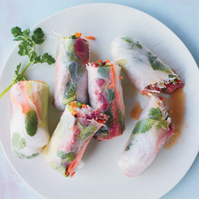 Food & Wine: How to Make DIY Summer Rolls