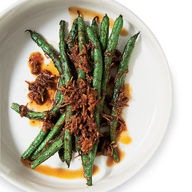 mkgalleryamp; Wine: How to Make Kin Khao's Epic Blistered Green Beans