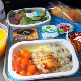 Food & Wine: Would You Be Willing to Pre-Order Airline Meals to Reduce Waste?
