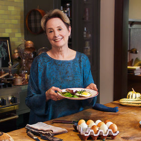 mkgalleryamp; Wine: Watch Alice Waters Make Her Egg on a Spoon (Yes, That Spoon)