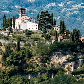 Food & Wine: These Ancient Italian Towns Have All the Tuscan Beauty and None of the Crowds