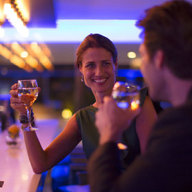 Food & Wine: 6 Dating Tips from Bartenders, Based on the Best and Worst Dates They've Witnessed