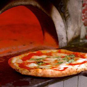 Food & Wine: The Story of Pizza As We Know It