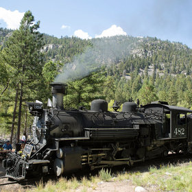 mkgalleryamp; Wine: This Brew Train Serves Craft Beers and Scenic Views of the Colorado Wilderness