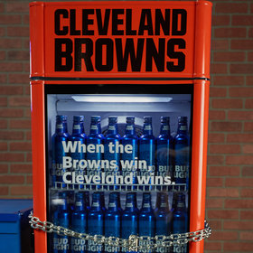 mkgalleryamp; Wine: Bud Light Promises Browns Fans Free Beer if the Team Wins a Game This Year