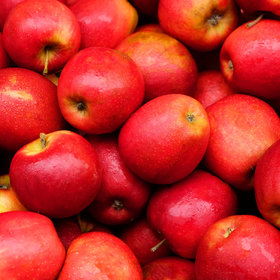 Food & Wine: Here's the Best Way to Wash Apples, According to Science