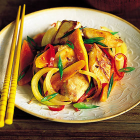 Food & Wine: Chicken and Papaya Stir-Fry