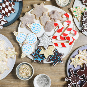 mkgalleryamp; Wine: Royal Icing