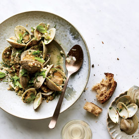 Food & Wine: Garlicky Littleneck Clams 