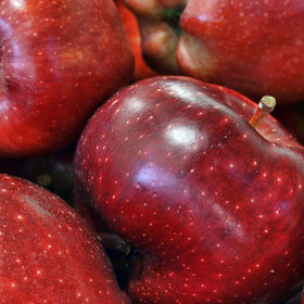 Food & Wine: The Red Delicious Isn't Very Delicious.Why Is ItSo Popular?