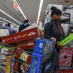 mkgalleryamp; Wine: Walmart Kicks Off Black Friday Deals With a Thanksgiving Cookie Party