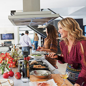 Food & Wine: New Year's Day the Ali Larter Way