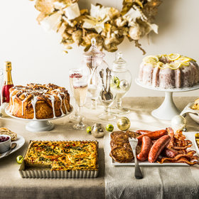 Food & Wine: How to Throw an Elegant Brunch Party in Your PJs