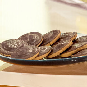 mkgalleryamp; Wine: There's a Brand New Jaffa Cake Flavor and It's Already Dividing Fans