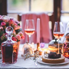 mkgalleryamp; Wine: 10 Pro Tips for Taking Christmas and Holiday Food Photos