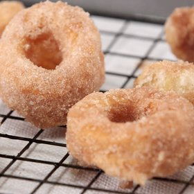 mkgalleryamp; Wine: Making Puff Pastry Donuts Is Easy With This Mad Genius Tip