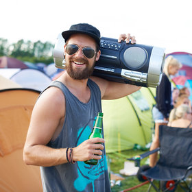 Food & Wine: Music Can Influence How Much You Enjoy Your Beer