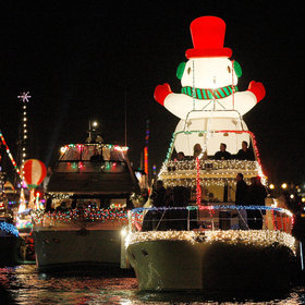 Food & Wine: The Best Holiday Boat Parades in America