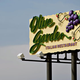Food & Wine: This Lower Calorie Option Is Now Olive Garden's Most Popular Dish