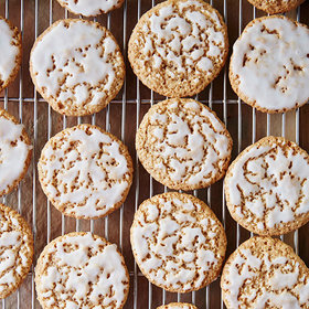 Food & Wine: The Secret to Soft-and-Chewy Oatmeal Cookies