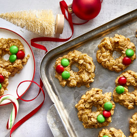Food & Wine: 7 Clever Ideas for Packaging Cookies as Holiday Gifts
