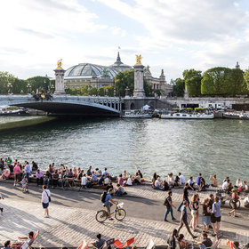 Food & Wine: This Paris Highway Will Become a New Scenic Walkway