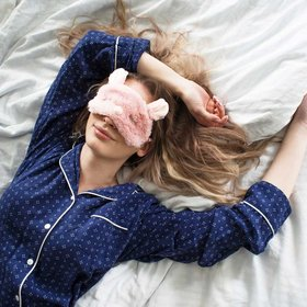 Food & Wine: 5 Sleep Tricks for Frequent Travelers, According to a Sleep Psychologist