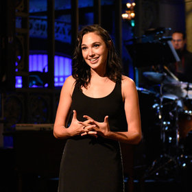 Food & Wine: Gal Gadot Plays an Unapologetic Fry Thief in a Cut 'SNL' Sketch