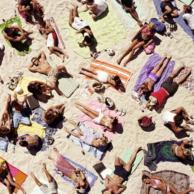 Food & Wine: 10 Things You Should Never Do on a Beach